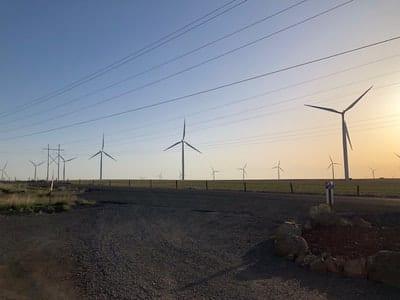 REI-Wind-Turbine-Training-Students 27