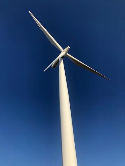 REI-Wind-Turbine-Training-Students 6
